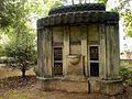 Grabmal Hermann Fiedeler Auguste Meylan Elvina Meylan alter Döhrener Friedhof Hannover I.jpg