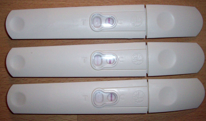 English: Pregnancy Test Svenska: Ett positivt ...