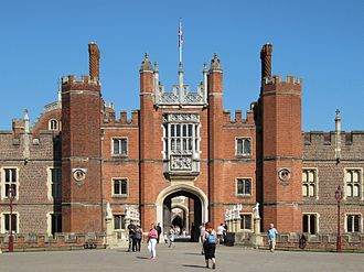 Hampton Court Palace - The great gatehouse