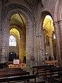 Guingamp (22) Basilique N.D. Transept 05.JPG