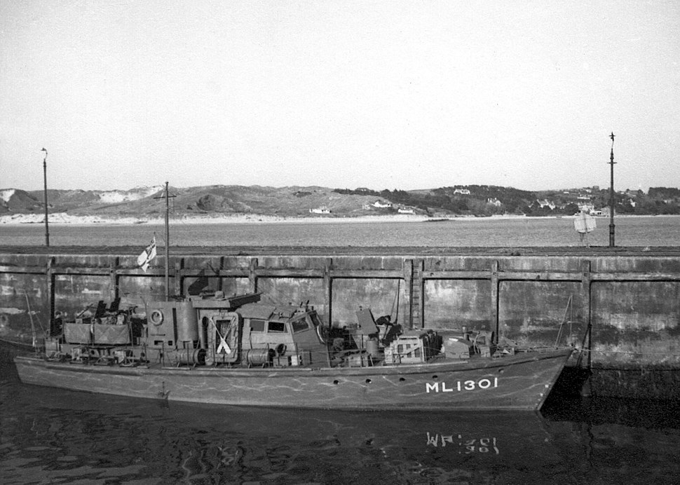 HDML 1301 In harbour at Padstow in WWII
