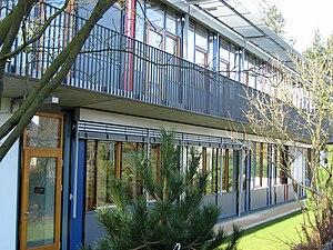 HHS Schule Darmstadt Ostfluegel.jpg