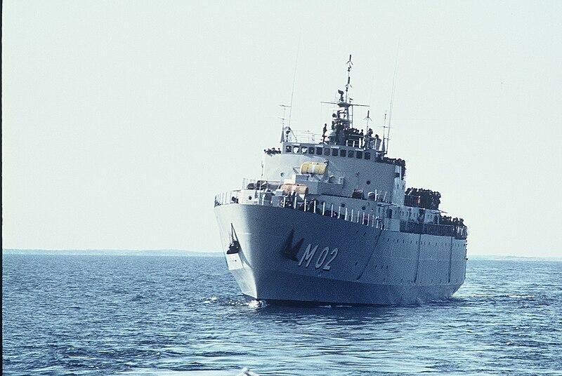 File:HMS Älvsborg (M02).jpg