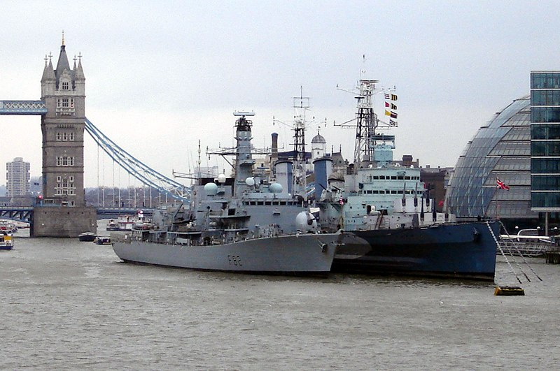 HMS Somerset (F82) & HMS Belfast (C35)