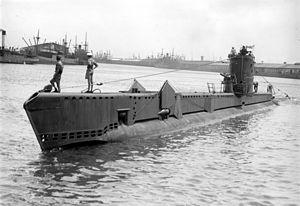 British V-class submarine - Image: HMS Voracious SLV Green 1945