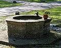 H Stoecken Friedhof Brunnen.jpg