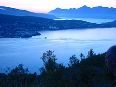 Harstad at night seen from Gangsåstoppen.jpg