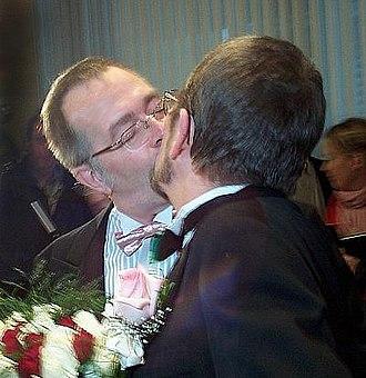 2004 in Canada - Michael Hendricks and René Leboeuf marry