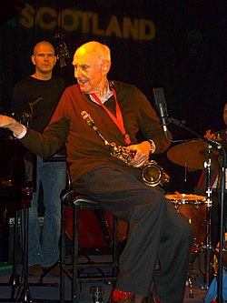 Herb Geller, The Blue Lamp, Aberdeen 12 Feb 2011.jpg