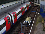 File:High Barnet tube station MMB 03 1995 Stock.jpg
