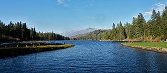Hume Lake - Image: Hume Lake P4280990