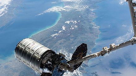 ISS-51 Cygnus OA-7 grappling to the ISS (1).jpg
