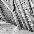 Interieur kap oostelijk deel zuidvleugel Spantbeen met detaillering van de nokbalk van een houten tonggewelf - Leiden - 20135312 - RCE.jpg