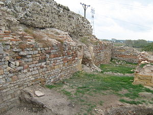 Noviodunum (castra) - Wall section of the fort.