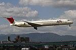 JapanAirlines MD-81 fukuoka 20050925094404.jpg