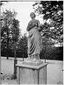Jardin des Tuileries - Statue de Thalie, Uranie - Paris 01 - Médiathèque de l'architecture et du patrimoine - APMH00037495.jpg