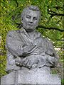 Jaroslav Hasek - pomnik v Lipnici nad Sazavou - detail.jpg
