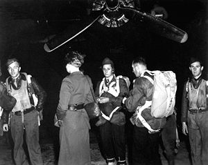 Operation Jedburgh - Jedburghs in front of a B-24 Liberator prior to departure