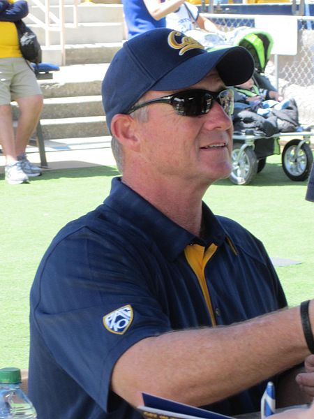 File:Jeff Tedford at 2010 Cal Fan Appreciation Day 1.JPG