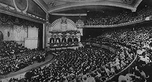 John McCormack (tenor) - John McCormack in the 5000-seat New York Hippodrome c.1915–1916