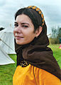 Jonkvrouwen waren in de 15de eeuw mooi gekleed.jpg