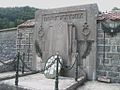 Jougne - chapelle Saint-Maurice - monument aux morts.JPG