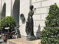 Juliet Statue in Munich 02.jpg