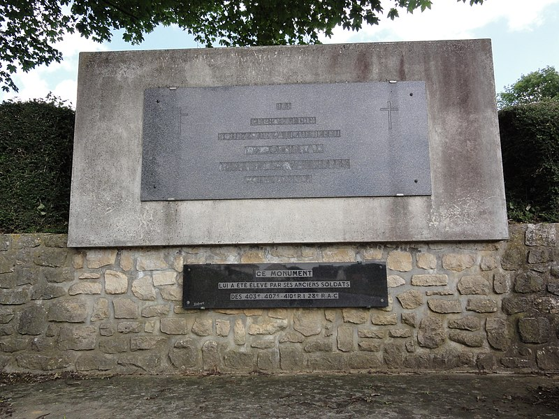 Juvigny (Aisne) Monument Général Pierre des Vallières