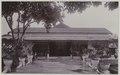 KITLV 7885 - Kassian Céphas - Manor of indigo and tobacco company Djiwa at Klaten in residence Surakarta - Around 1900.tif