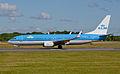 KLM Royal Dutch Airlines, Boeing 737-8K2(WL), PH-BXL (18409722690).jpg