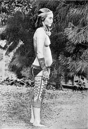 Kayan people (Borneo) - Image: Kajandajakfrau