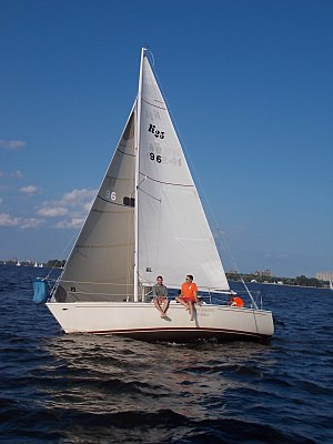 Kirby 25 - Image: Kirby 25 sailboat 0854