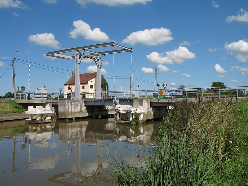 Knokke bridge on the IJzer river at Houthulst (West Flanders, Belgium)