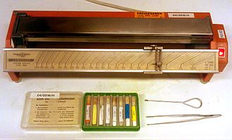 Melting point - Kofler bench with samples for calibration