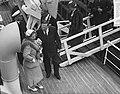 Koningin Juliana stelt te IJmuiden hospitaal-kerkschip De Hoop III in dienst, Bestanddeelnr 907-2228.jpg