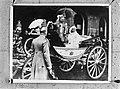 Koningin Wilhelmina, koningin-moeder Emma en prins Hendrik in een rijtuig bij aa, Bestanddeelnr 934-8300.jpg