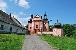 Kostel Narození Panny Marie ve Strašíně (8).JPG