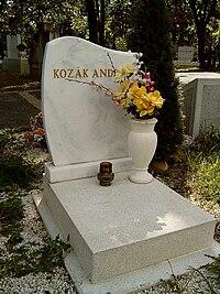 Kozák András sírja.jpg