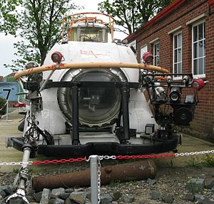 Deep-submergence rescue vehicle - LR3