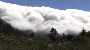 File:La Palma - El Paso - Cumbre Vieja+Foehn (Calle Virgen del Pino) 02 ies.webm
