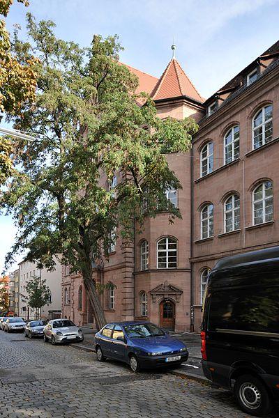 Labenwolf-Gymnasium Nürnberg 6828.jpg