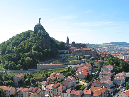 The Rocher Corneille, the Cathedrale Notre-Dame du Puy and the city. Le Puy-en-Velay - Panorama - JPG1.jpg