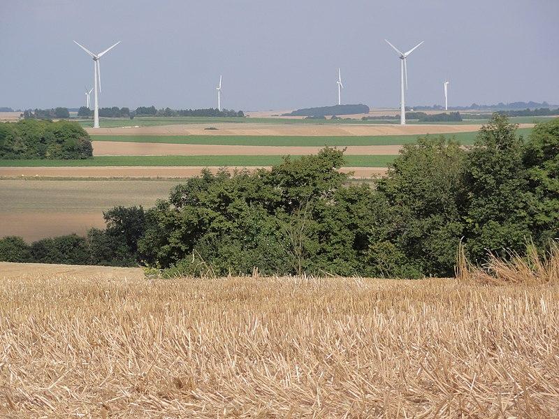 Le Verguier (Aisne) paysage avec éoliennes