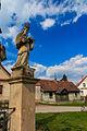 Lhota u Náhořan - sochy svatých u kříže na návsi2.jpg