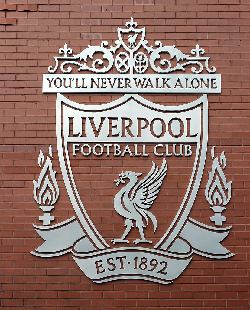 File:Liverpool FC crest on Walton Breck Road.jpg ...