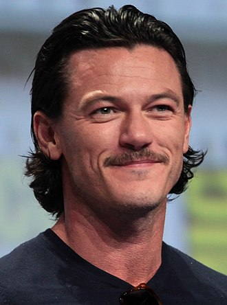 Luke Evans (actor) - Evans at the 2014 San Diego Comic-Con International promoting The Hobbit: The Battle of the Five Armies
