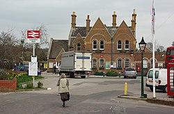 Lymington Town railway station MMB 04.jpg