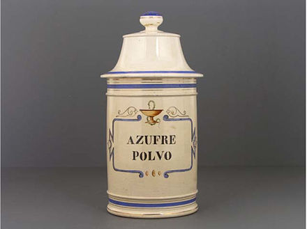 Pharmaceutical container for sulfur from the first half of the 20th century. From the Museo del Objeto del Objeto collection MODOAzufre.jpg