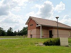 Mairie de Peyrelongue-Abos.JPG