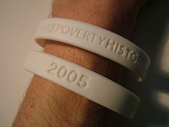 "Make Poverty History - Plastic version of the ""white band"""
